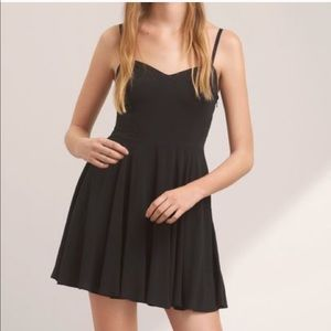 Aritzia Lipinski Black dress sz 6 NWT
